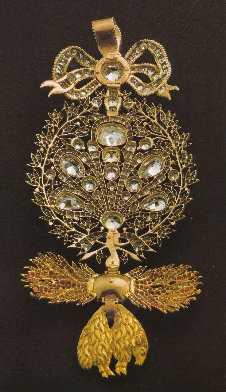 Portuguese Crown Jewels,jóias da coroa portuguesa: As ordens reais portuguesas