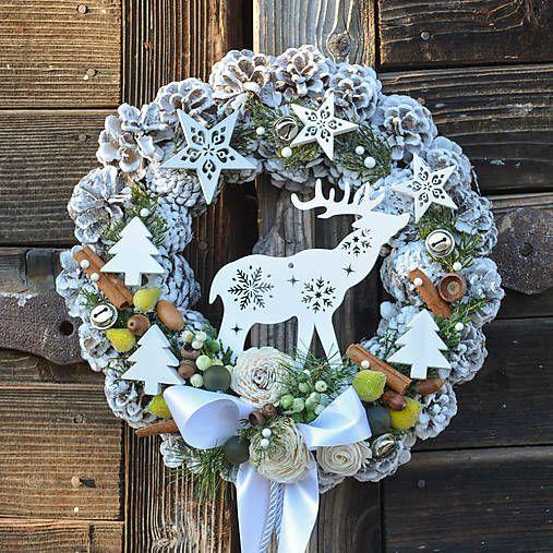 Hydrangea / Vianočný veniec na dvere so sobíkom