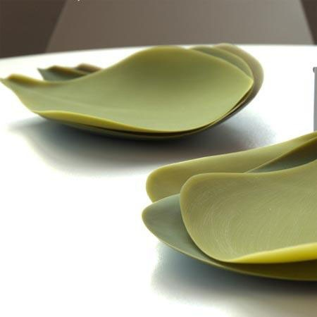 Bendable artichoke-like silicon serving plates from Nao Tamura.