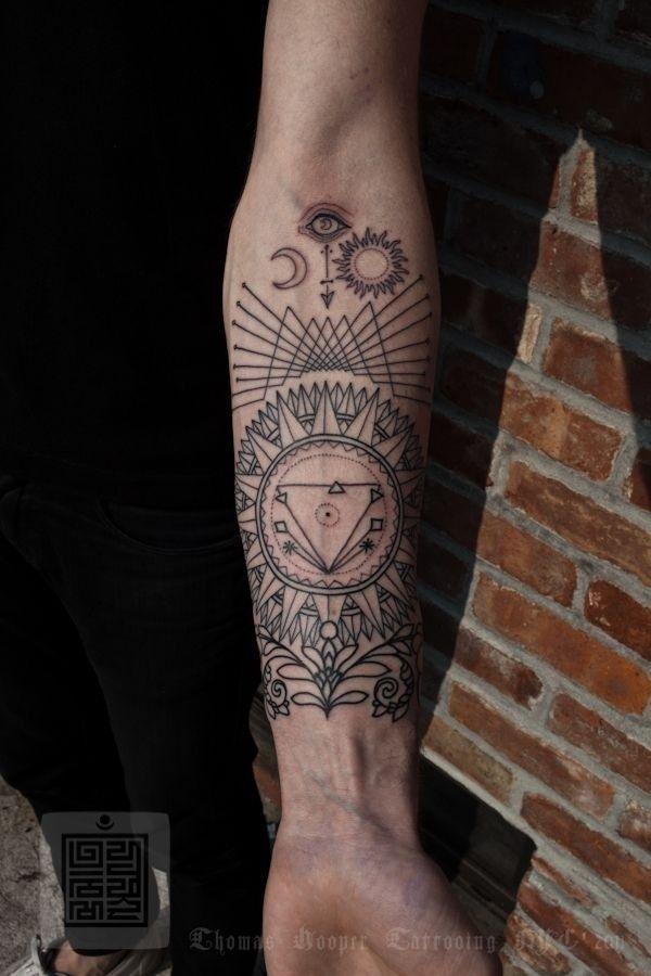 17-tatuagem-fineline-braco-masculina