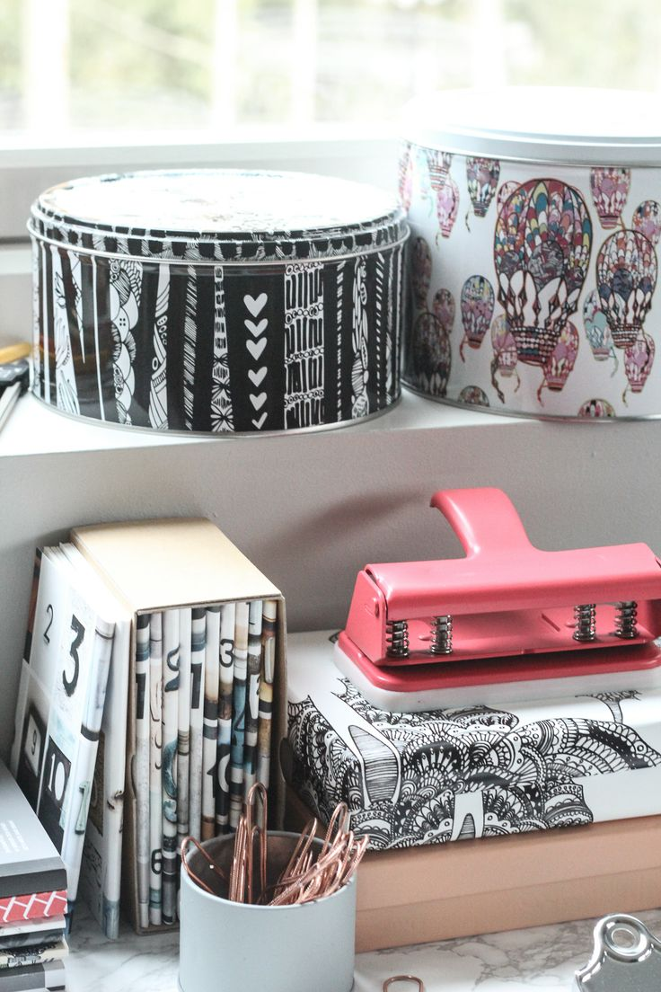 A sneak peek from our home office photo shoot! #nordicdesigncollective #homeoffice #photoshoot #notebook #office #home #homedecor #pink #salmon #wrappingpaper #storagebox #hannakarlzon #susannasivonen #million #jollygoodfellow #box #boxes #pen #paper #write #work #working #workathome #fyran