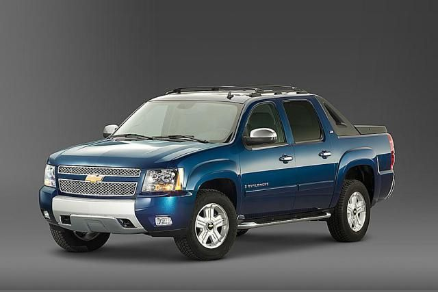 Chevrolet Avalanche - Pictures of the 2008 Chevy Avalanche: 2008 Chevy Avalanche with Z71 Package - Front & Side View