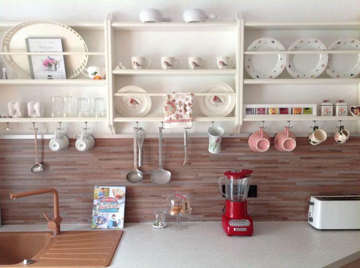 Ich Habe Letztes Wochenende Unsere Alte Einbauküche Aufgefrischt.Die Alten  Hängeschränke Wurden Verbannt Und Durch