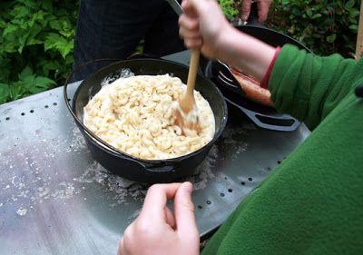 weelife: Dutch Oven Mac and Cheese