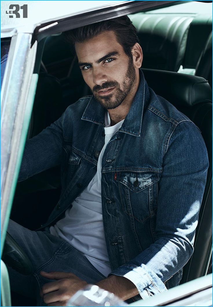 Simons taps Nyle DiMarco to star in its fall 2016 denim lookbook. The American model embraces denim and casualwear in indigo tones. Although laid-back, Nyle is a smart vision as he tackles fashions from Simons' in-house brand, LE 31. Distressed denim and Pimacotton t-shirts are complemented by classics from brands such as Levi's. Chambray also...[ReadMore]