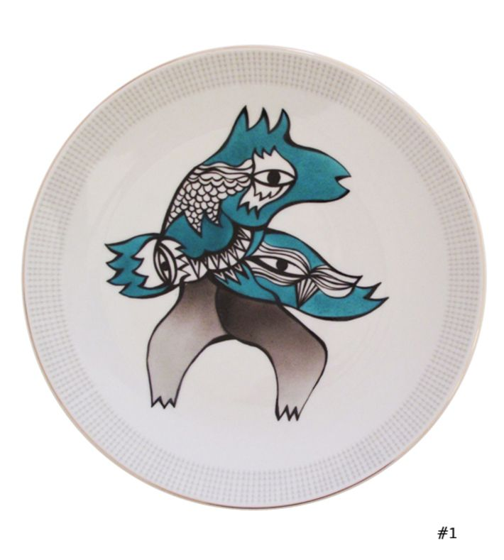 One day we found some classic vintage plates, and we couldn't resist making them into small pieces of art with Phuc Van Dang's signature creatures feeling blue (and green :-)   You can buy this piece at our webshop www.artrebelscom #artrebels #art #craft