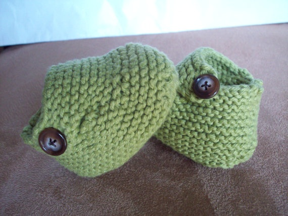 Love the booties!! #knit #knitting #booties #babybooties @Knitsbycrystal