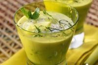 Jemná okurková polévka