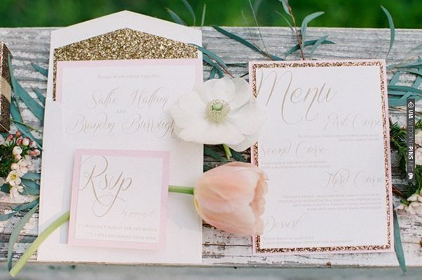 pink and gold paper goods | VIA #WEDDINGPINS.NET