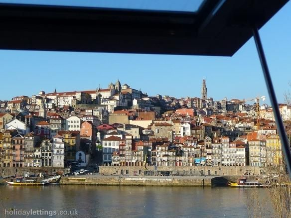 1 bedroom apartment in Oporto to rent from £170 pw. With TV and DVD.