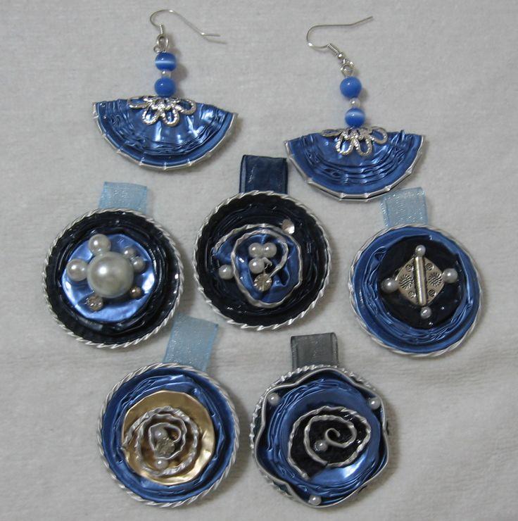 Ciobdoli ed orecchini nei vari toni del blu - fatti con capsule Nespresso