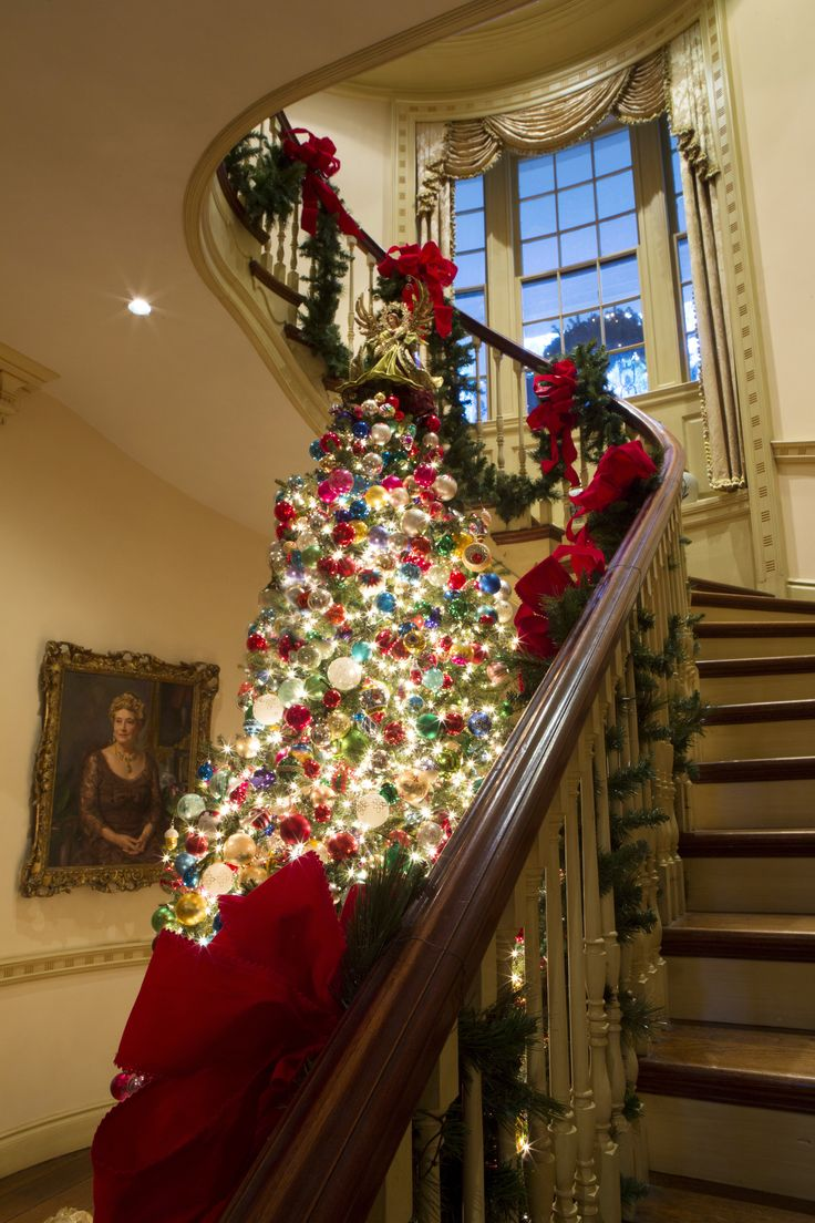 see how americas historic homes celebrate the holidays - Tall Christmas Tree