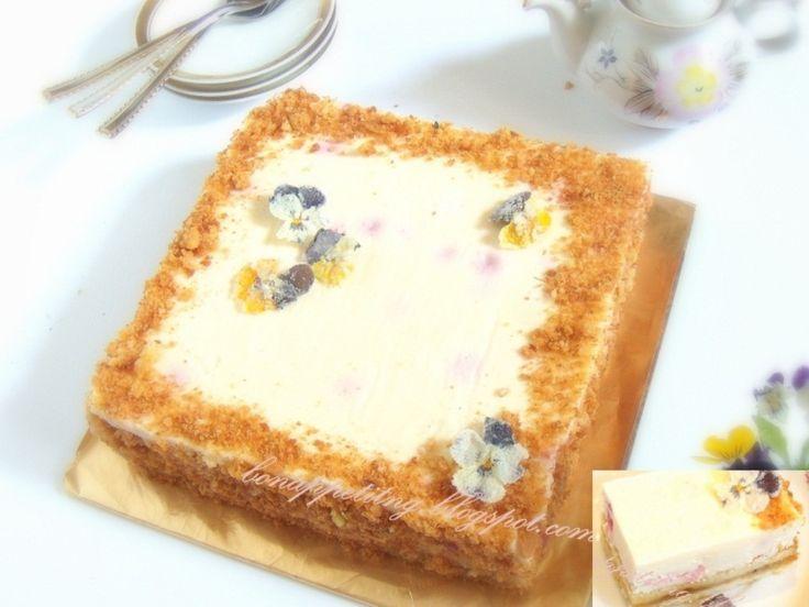 na podwójnym cieście (ciasto kruche, marmolada owocowa, ciasto biszkoptowe Joconde, masa serowa)