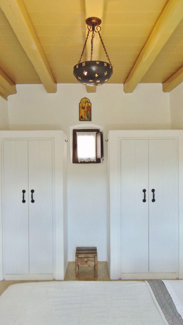 Olive suite - bedroom
