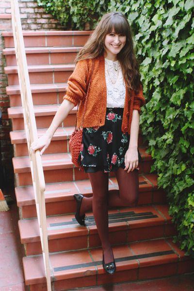 Vintage-bag-vintage-skirt-thrifted-blouse-thrifted-cardigan