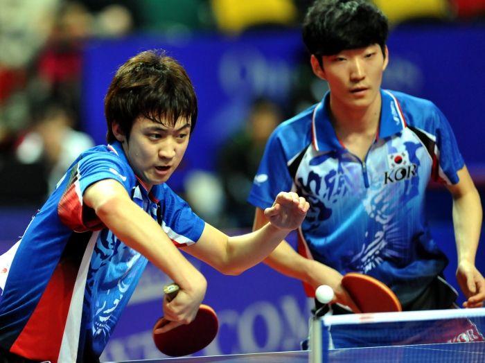 Joueurs adolescents asiatiques 2