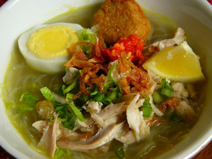 Common Soto with rice vermicelli.