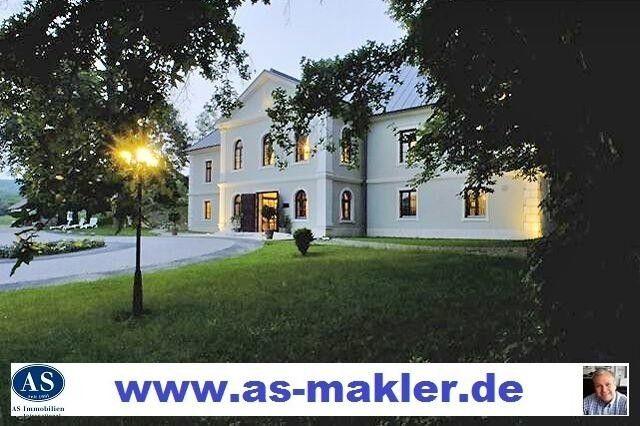 Hotel Schloss Fur Pferdefreunde Mit Pferdestall Auf 35000 Qm Land Zu Verkaufen Hotel Kaufen Immobilien Angebote Style At Home