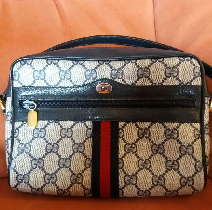 VINTAGE GUCCI ACCESSORY COLLECTION SHOULDER/CROSS  BAG NAVY MADE IN ITALY
