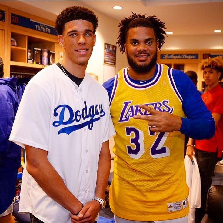 """I hope you two aren't planning to """"SWITCH ROLES."""" Kenley.....Stick to Baseball (your the best Closer in the business). @zo, you potential for a Hall of Fame career as a Point Guard is unbelievable. PLEASE stay in your lanes gentlemen 😆😜⚾️🏀 #LonzoBall #KenleyJansen #Dodgers #Lakers"""