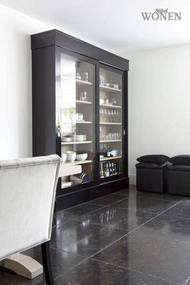 Stijlvol Wonen: het magazine voor warm-hedendaags wonen - ontwerp: Interiors DMF - fotografie: Anneke Gambon