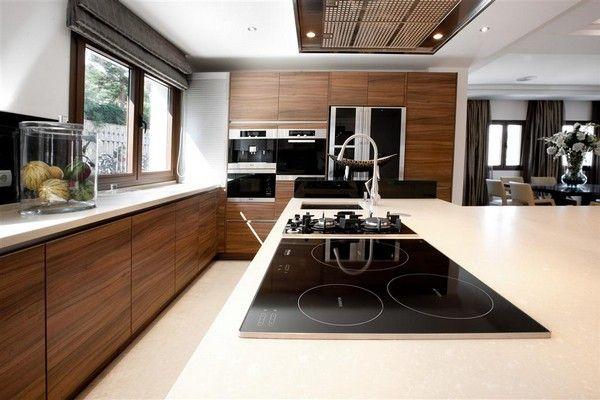 Love this modern kitchen!