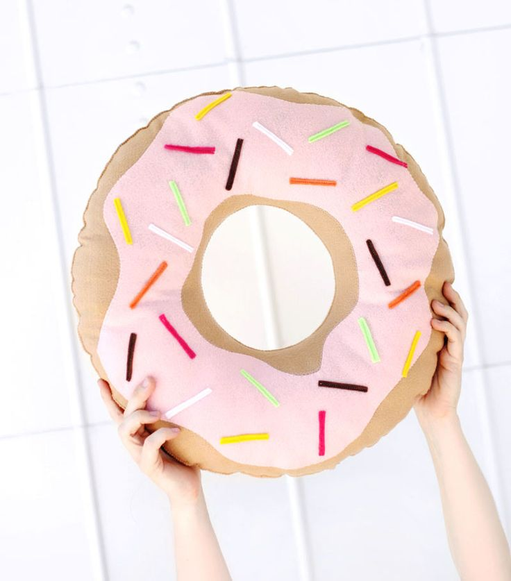 Donut Yastık Yapımı - http://m-visible.com/donut-yastik-yapimi.html