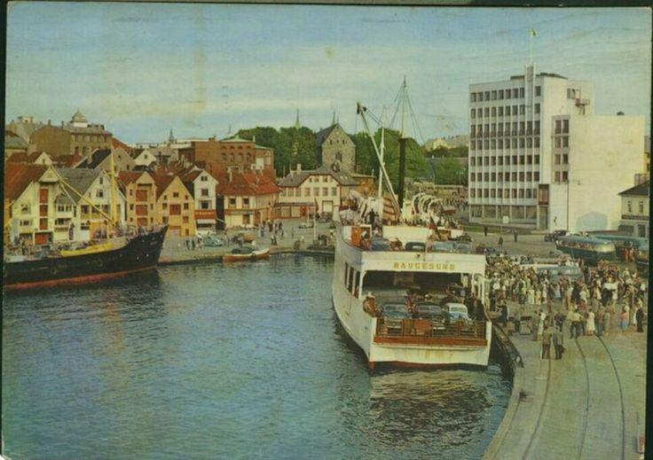 Stavanger i Rogaland fylke kaien med fergen Haugesund 1950-tallet