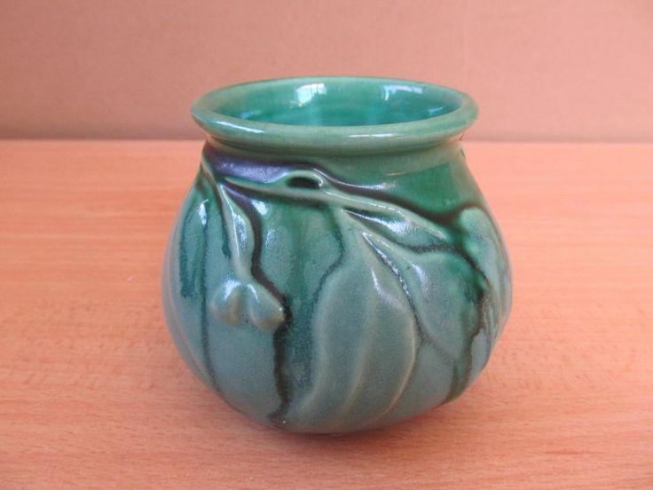 1930s Melrose Pottery Gumnut Vase. Hoffman Brickworks Brunswick.