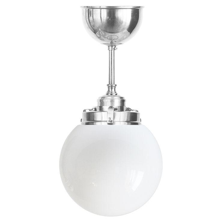 Klotlampa av förnicklad mässing med 150 mm opalvit glob. E27, 60W.