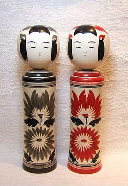 記念品・お餞別に!ご結婚御祝にも喜ばれる鳴子系こけし柿澤是隆作赤墨ペア2本組1尺2寸