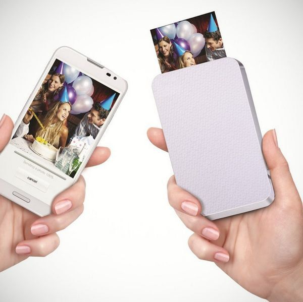 Ever imagined printing photos without using ink but heat? Check out ZINK, a portable zero ink printer which prints photos directly from your smartphone!