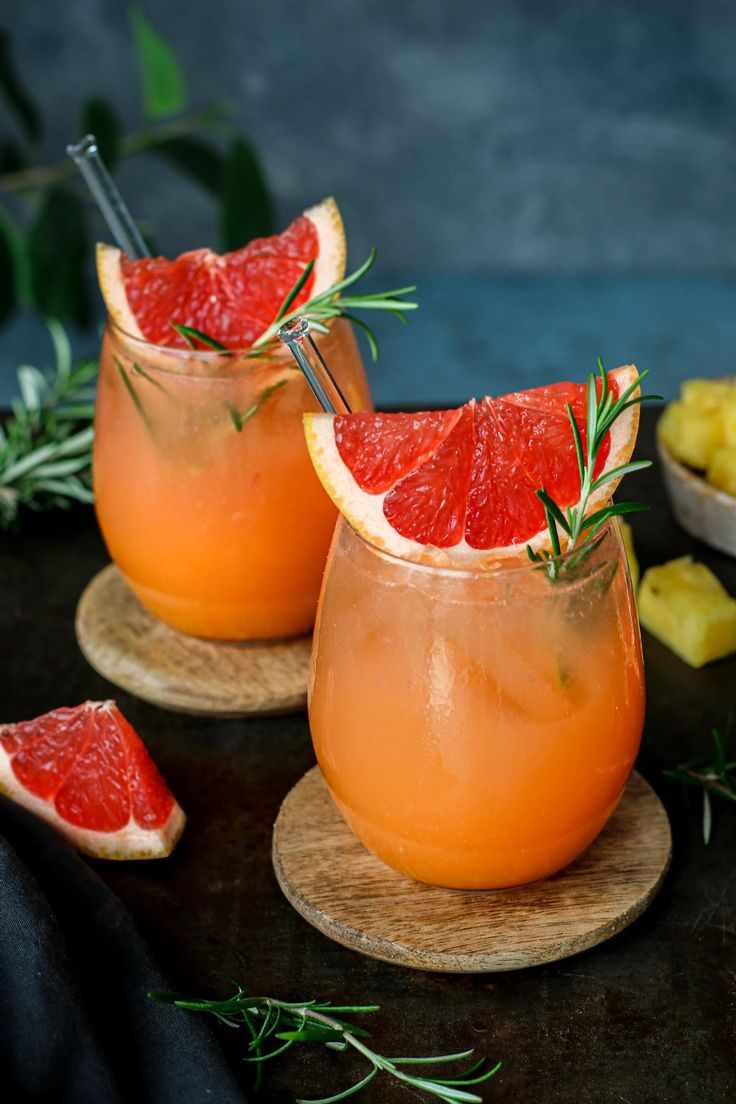 Refreshing Drinks, Summer Drinks, Peanut Butter Curry, Margarita Bebidas, Grapefruit Zest, Curry Soup, Nutrition Articles, Plant Based Recipes, Food Videos
