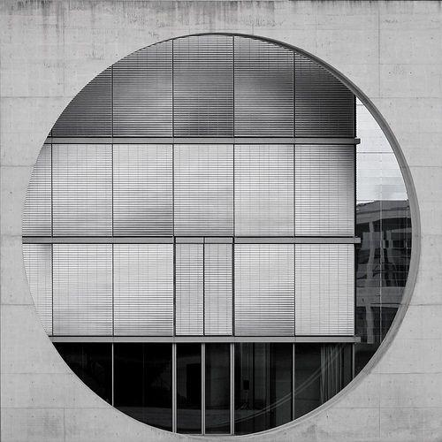 quadratur des kreises :: squaring the circle by stemerk44: Circles Dots Round, Facade