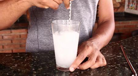 O canal Bebida Liberada ensina as maneiras corretas de misturar drinks. Confira!