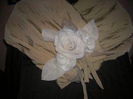 Stola elegante con rose di organza e seta