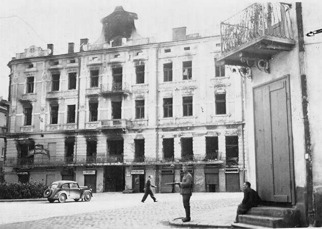 German standing guard in the Przemysl Ghetto
