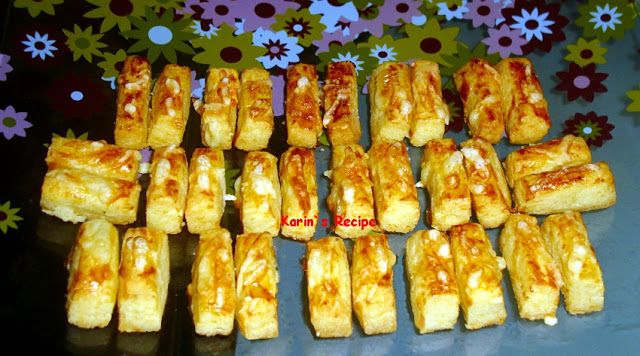 Karin's Recipe: Kaastengels (Indonesian Savory Cheese Cookies)