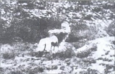 ExecutedToday.com » 1902: Gideon Scheepers, Boer guerrilla Just shot, Gideon Scheepers slumps backward in his chair. His body was never handed over to his family and the British refused to reveal his grave- even today.
