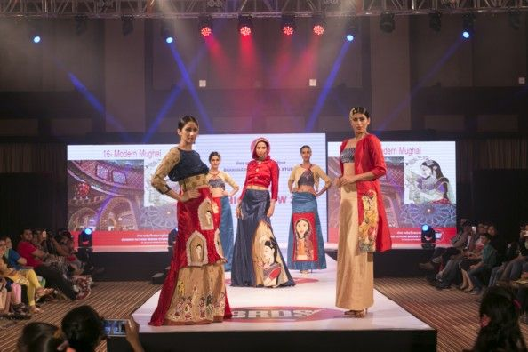 Diploma In Fashion Design Course In Ahmedabad School Institute Brds Diploma In Fashion Designing Fashion Designing Institute Fashion Designing Course