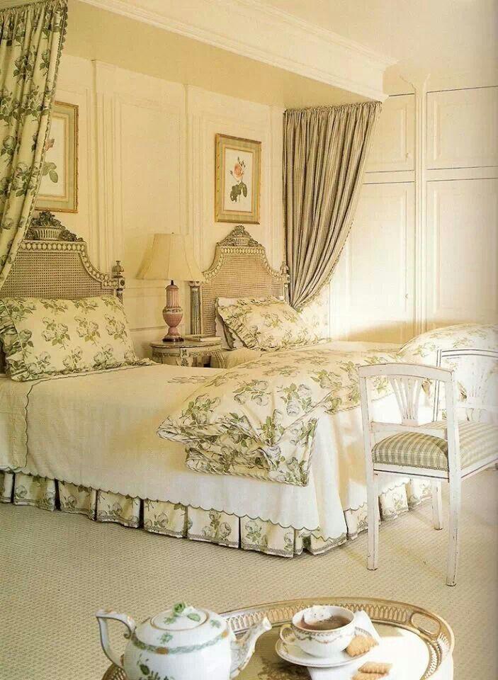 Best 25+ Cream spare bedroom furniture ideas on Pinterest | Black ...