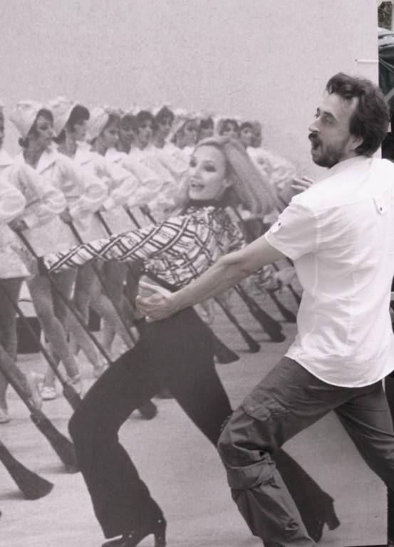 Fra che balla con la Carrà
