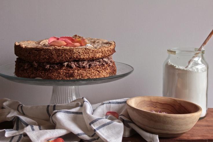 choc hazelnut meringue cake @ http://simplehayat.wordpress.com/