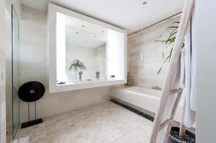 Masterbathroom | K Villas | www.kvillasholidays.com