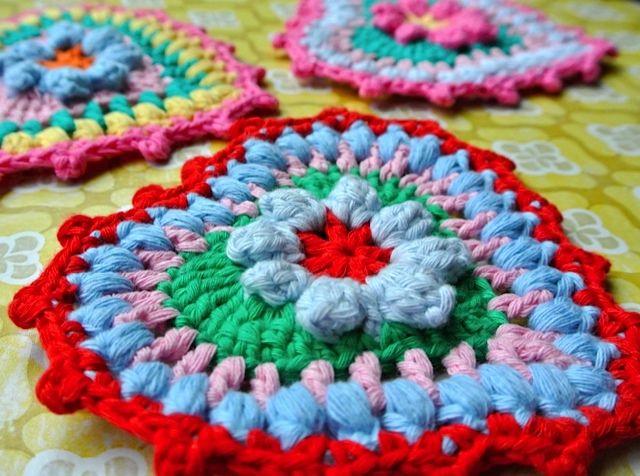 Crocheted 'sugar' heart pattern - photo made by www.bonthuishouden.nl