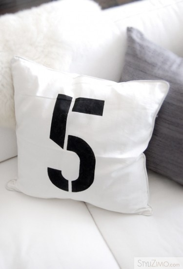 cushion, pillow, number, five, 5, black, white