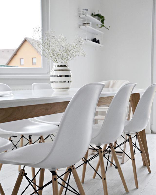 Enjoy yours evening! Now I'll just relax :) / Užijte si váš večer, já teď budu jen relaxovat! Pondělí je vždycky hrozný :) #myhome #purewhite #diningroom #vitra #eames #kahler #kahleromaggio #stokke #tripptrapp #stringpocket #string #gypshophila #interior4all #interior4u #interior123 #inspiration #homedecor #minimalist #simplicity #scandinavianhome #scandinavian #inspiremeinterior #hus10a #Onlydecoloveactions