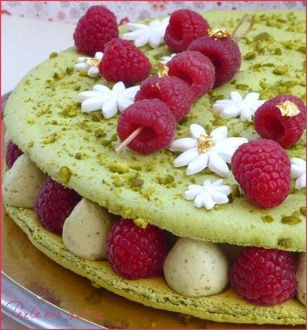 Végétarienne et gourmande - Macaron géant framboise pistache.