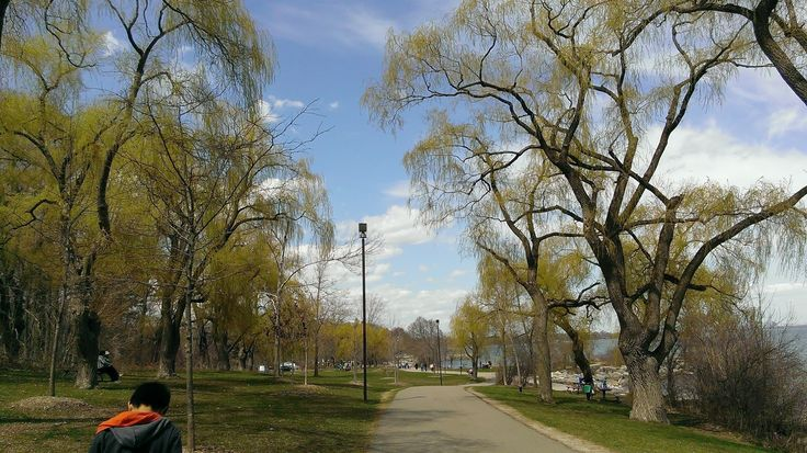 Jack Darling Memorial Park, #Mississauga. Pack a #picnic and head down to Park, a scenic #waterfront which makes the ideal spot for a #family outing. Visit http://www.jackdarling.com/
