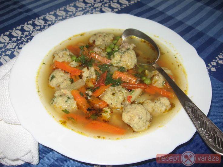 Májgombóc leves recept képpel, a hozzávalók és az elkészítés pontos leírásával. Készítsd el akár 2, vagy 12 főre, a Receptvarazs.hu ebben is segít!